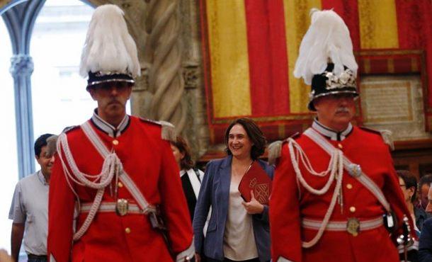 """Colau no sabe qué hacer con y el 1-O, """"tenemos que defender la diversidad de Cataluña"""""""