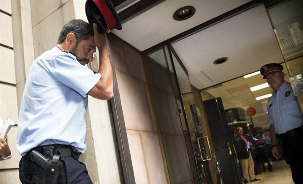 Trapero traslada a agentes los Mozos la obligación impedir el 1-O requisando urnas y papeletas