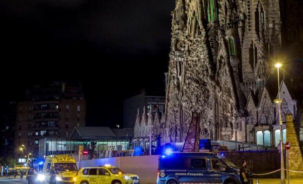 Furgoneta sospechosa estacionada en el entorno de la Sagrada Familia, falsa alarma