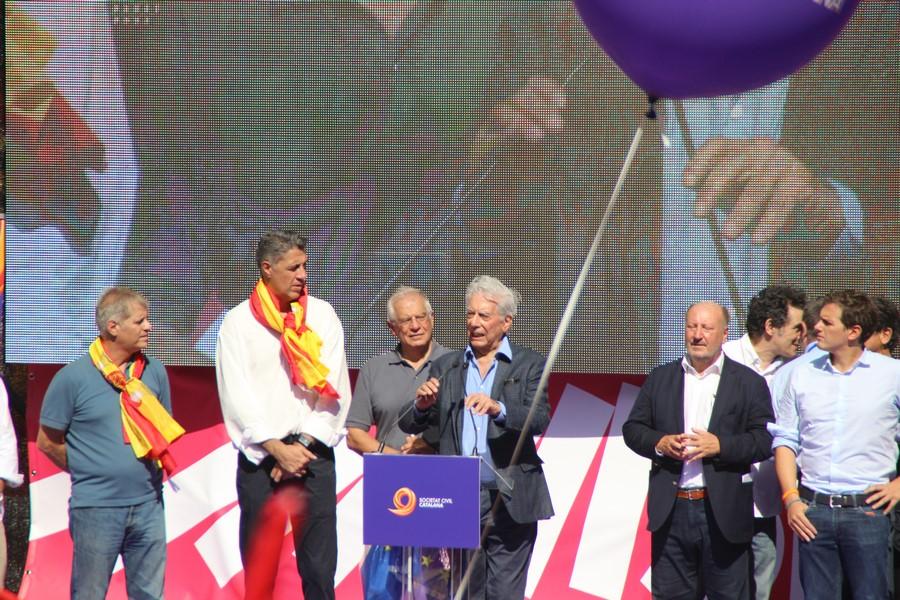 """Vargas Llosa: """"Vamos a demostrarles a independentistas minoritarios que España e moderno"""""""