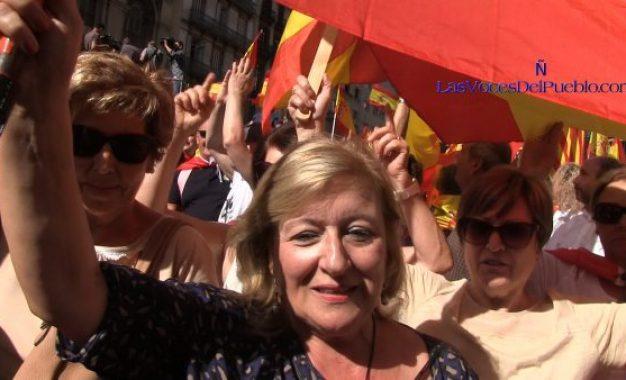 """Lola: Los catalanes """"hemos esperado demasiado para salir a la calle, nos están separando"""""""
