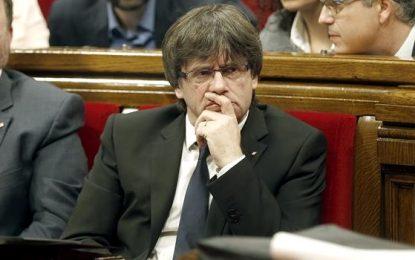 """La Fiscalía de Cataluña se querellará contra Puigdemont por """"rebelión"""", 15 años de prisión"""