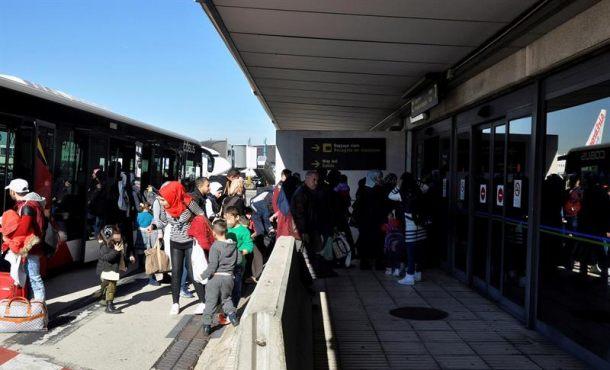 Llegan a España 214 refugiados islamistas sirios