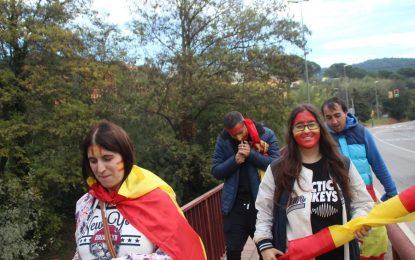 """Vila-roja, el barrio más español en Cataluña, """"en pie"""" por España en las calles de Gerona"""