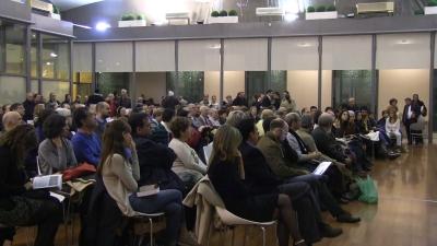 Centenares de catalanes durante el acto de presentación del libro de Antonio Robles. 7.02.2014. lasvocesdelpueblo
