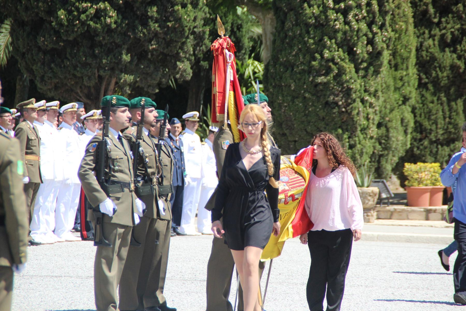 LAS VOCES DEL PUEBLO. juramento de bandera española