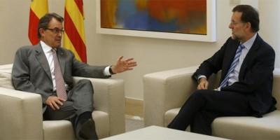 Foto Archivos del último encuentro entre el presidente de la nación española y el separatista catalán, Artur Mas. [Foto Reuteurs]