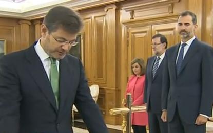 """El ministro de Justicia de la singularidad de Cataluña, """"juro cumplir fielmente las obligaciones del cargo de ministro de Justicia con lealtad al rey"""""""