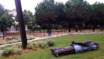 jordi Pujol - estatua (2)