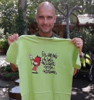 Josep Guardiola Sala manifestando su apoyo a una manifestación discriminatoria en contra de los niños hispanohablantes de Òmnium Cultural