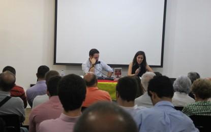 Durante la presentación de su libro en Barcelona, Abascal contó sus últimos días en el PP