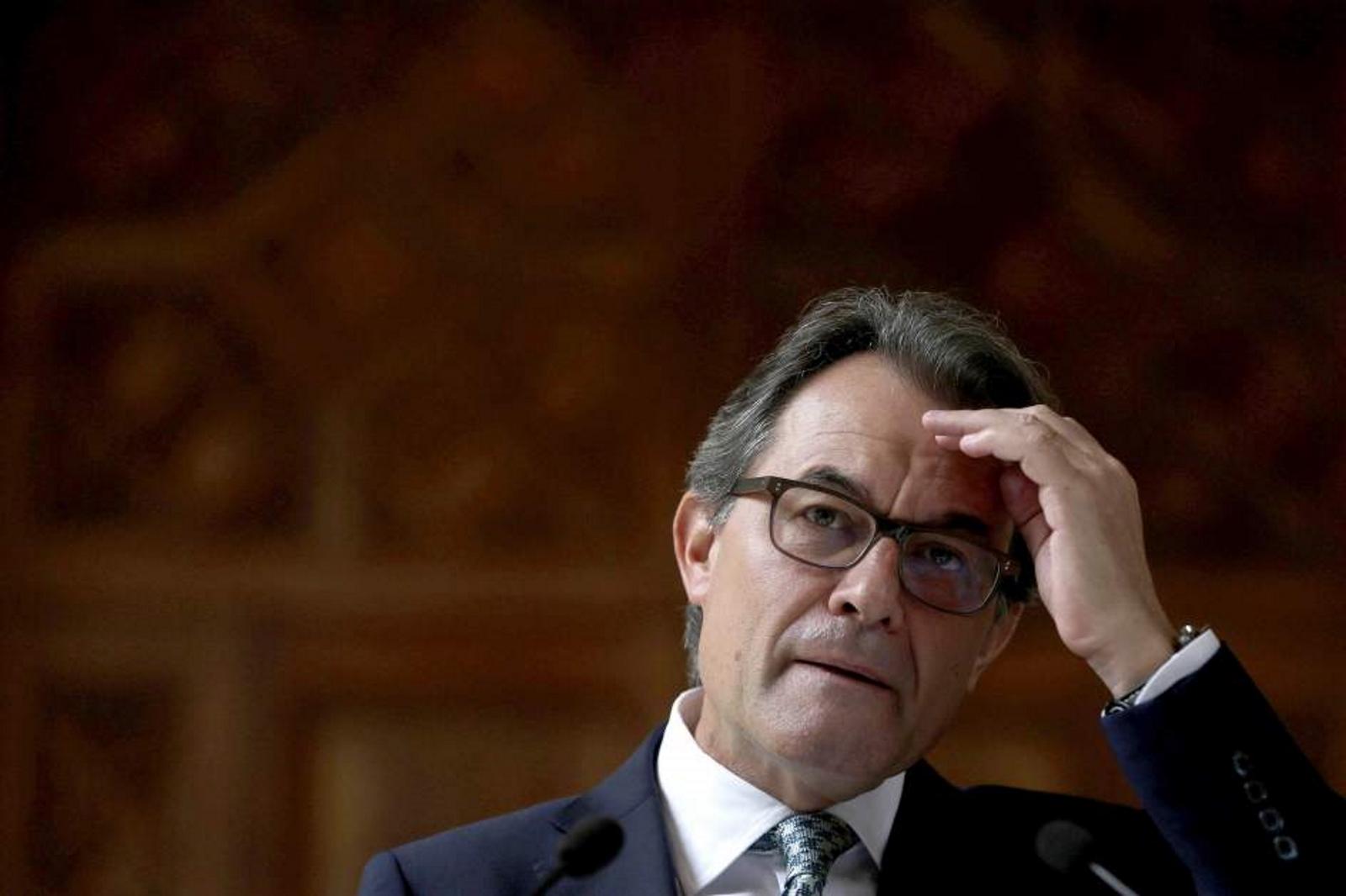"""UPyD denuncia a Mas ante la fiscalía por """"coacciones y amenazas contra funcionarios públicos"""" para el 9N"""