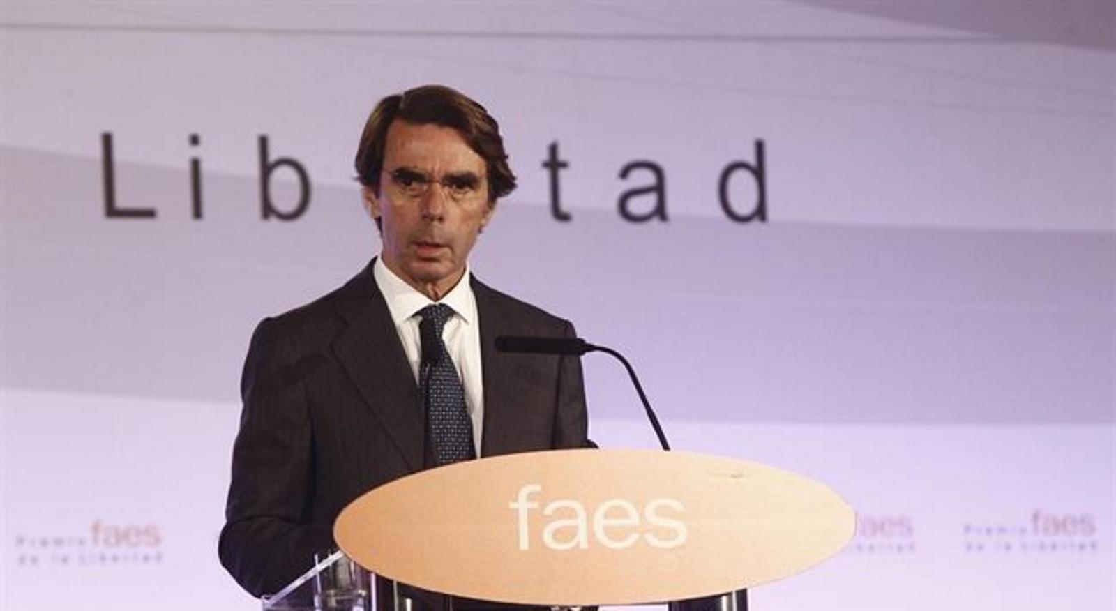 """Aznar se olvida del Regidor del PP que vota Sí a moción separatista y pide a Rajoy no ceder al """"órdago"""" separatista"""