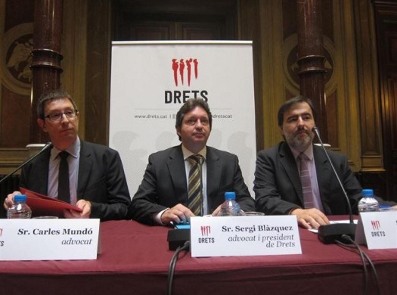 """""""Dret"""", nuevo órgano presoviético separatista, vigilará la vida privada de catalanes en redes sociales y les denunciará"""
