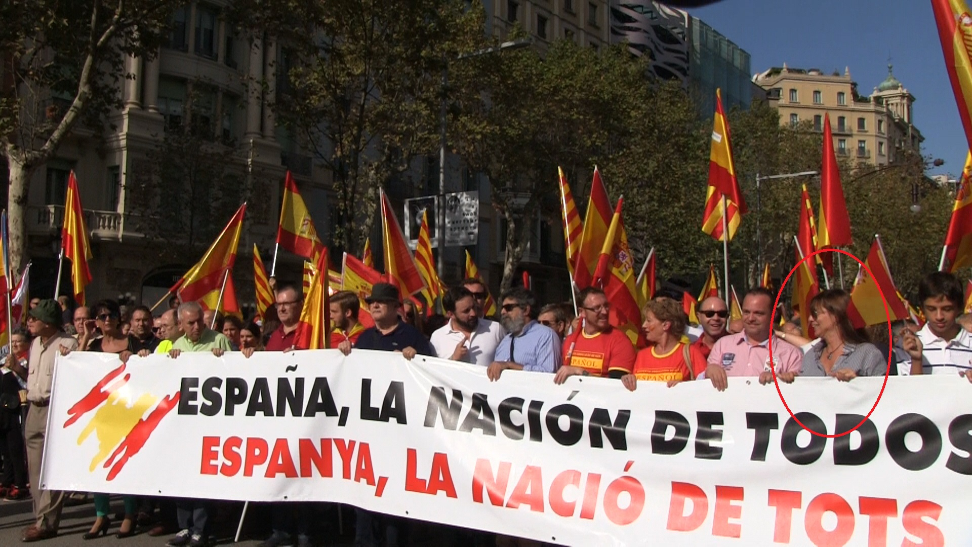 La exnovia del hijo de Jordi Pujol se manifestó ayer a favor de la unidad de España en el  acto de 12-O 2014