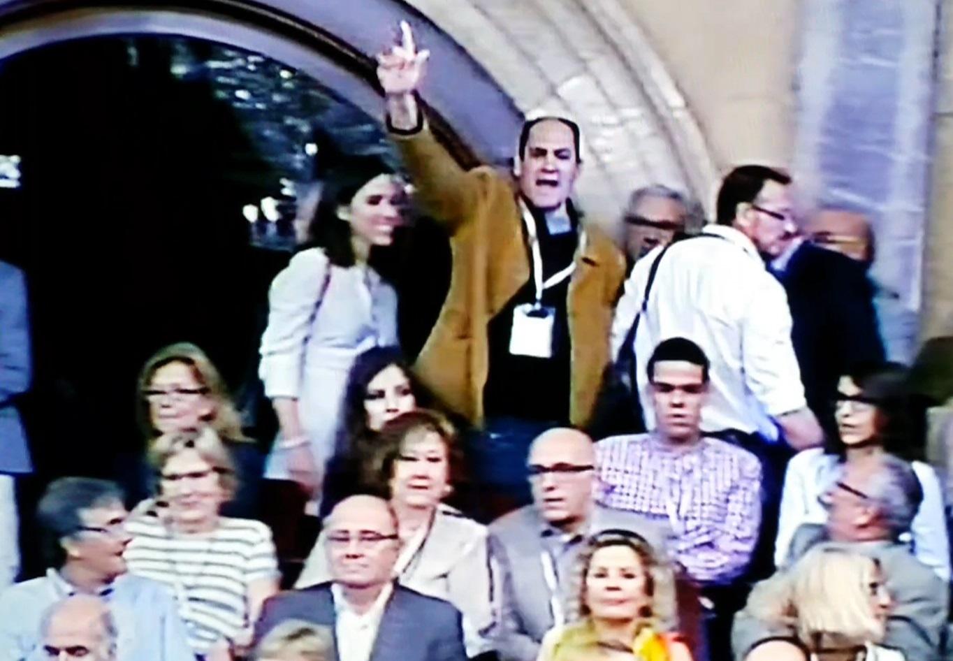 """Sánchez condena """"los actos y gestos fascistas"""" y lamenta ser """"objetivo político"""" en Cataluña"""