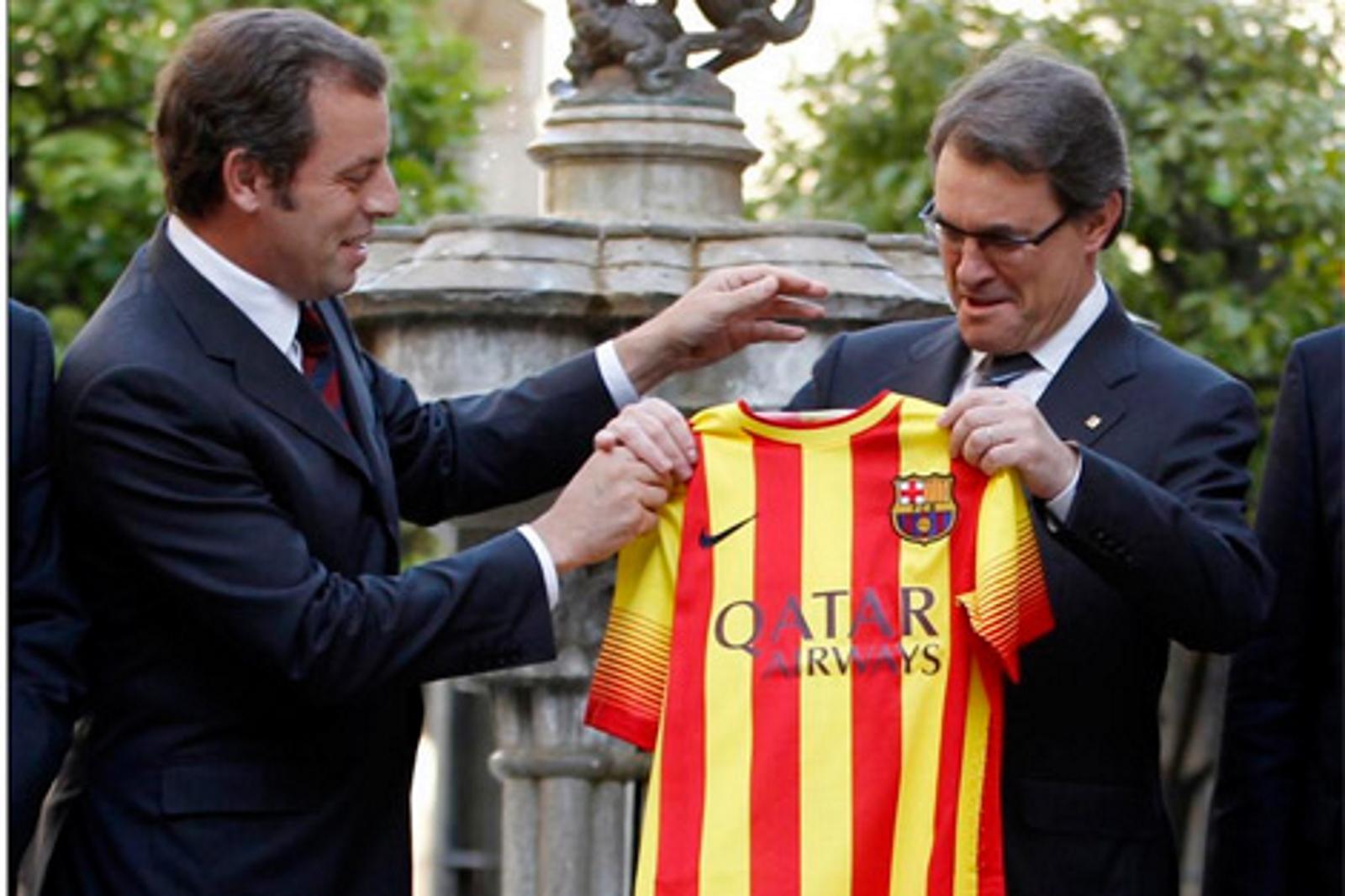 "FC Barcelona se ha adherido oficialmente al Pacto separatista de odio a España por ""escrito firmado por su presidente Josep Maria Bartomeu"""