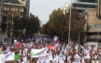"""Un millón y medio de españoles inundan las calles de Madrid clamando """"cada vida importa y aquí soy yo"""""""
