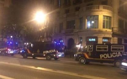 Albert LLoreta asegura que los furgones de Policía Nacional llegan en la ciudad de Barcelona por  la vía Layetana de Barcelona