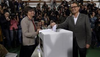 presidente artur mas votandeo el 9n