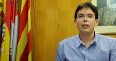Erik Encinas renuncia definitivamente a la militancia en el PP y se pasa a VOX que tiene más futuro que el PP