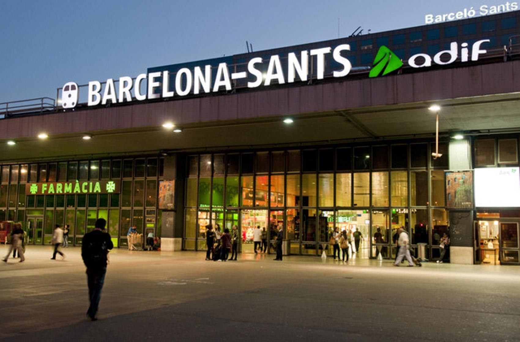 3 detenidos en Barcelona por empujar varias veces en las vías de tren al vigilante de seguridad