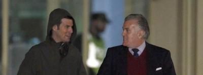 El delincuente extesorero del PP, Luis Bárcenas, y su hijo, Guillermo, a su salida de cárcel / foto EFE