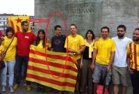 nuevo Ministro de asuntos exteriores separatista, Amadeu Altafaj Tardio, de camiseta Azul en la Via Catalana de Zúrich, 05/09/2013