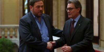 De izd. a la Dcha., Oriol Junqueras líder de (ERC) y el presidente Artur Mas. Foto EFE