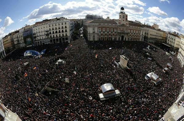 """Podemos toma el corazón de España, """"hace falta quijotes, la soberanía no se vende, nuestra patria no es una marca"""""""