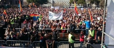 """AVT: """"Muchas gracias a todos los que nos habéis acompañado hoy en la plaza de Colón para pedir #NoMasTraiciones , gracias"""""""