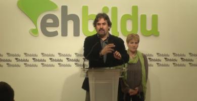 Separatistas vascos defensores de terroristas proponen 'hoja de ruta' de declaración unilateral de independencia.