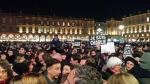 "centenares de franceses, ""Je suis charlie Hebdo"""