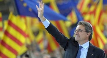 Artur Mas propone excluir del registro de Partidos a formaciones políticas totalitarias en España - copia