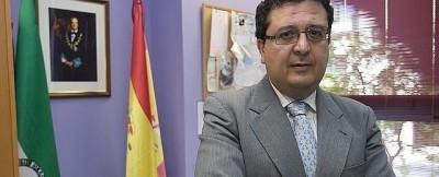 Rafael Sánchez Saus, candidato VOX Sevilla, asegura Villalobos desangra al Partido Popular - copia