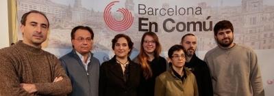 Barcelona en Común presenta su candidata, Ada Colau, a la alcaldía de Barcelona para dar un giro a la política.