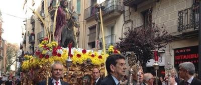 Cofradía de Nazarenos de Barcelona celebra Procesiones esta Semana Santa, Domingo Ramos y Viernes Santo  . - copia