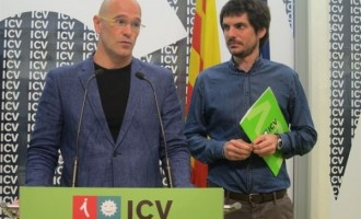 ICV en llamas por cambiar de bando y defender la unidad de España, dimite el ultra separatista Raül Romeva Rueda..