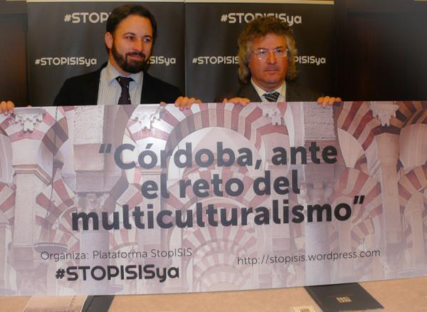 De Ida. a la Dcha, el presidente de VOX, Santiago Abascal y el cristiano iraquí perseguido, el doctor Raad Salam, hoy en Córdoba