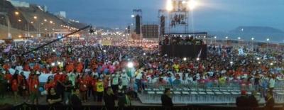 Miles de personas se manifiestan en Perú en rechazo del aborto en la 'Marcha Por La Vida' - copia