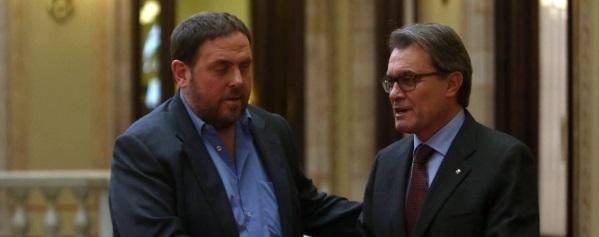 CIU y ERC empiezan a elaborar planes de contingencia para prever la desvinculación de Cataluña con España - copia