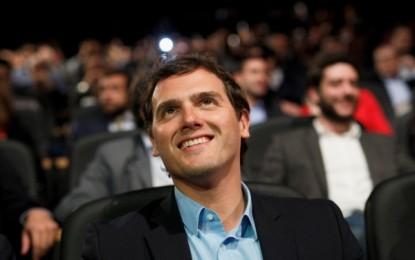 Ciudadanos crece, se afianza y se sitúa en  empate técnico con Podemos, PSOE y PP; Rivera es el  líder mejor valorado