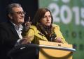 Separatistas excluyentes de ANC abucheando, pitando e insultando al alcalde de PSOE de Lérida en Asamblea General