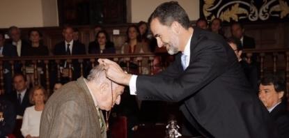 Entrega del Premio de Literatura en Lengua Castellana Miguel de Cervantes 2014 a Goytisolo Gay.. - copia