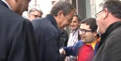 José Luis Zapatero haciendo la pelota en Cataluña ¡Viva FC Barcelona!, hay que ser culé a tope.. - copia