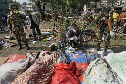 La cifra de muertos en el terremoto superan los 5.000 y la ONU estima en ocho millones los afectados - copia
