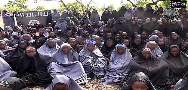 Imagen difundida por el grupo islamista Boko Haram de las 200 niñas secuestradas en Chibok, Nigeria. Fuente: AFP