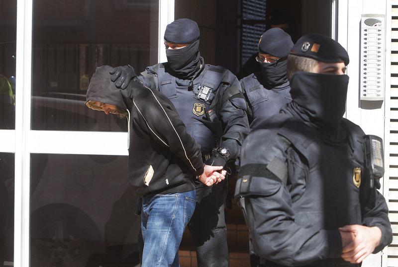 Operació gihadista al barri de Can Llong de Sabadell. Cèl·lula gihadista desarticulada. un detingut Careto: No  1230#Oriol Duran