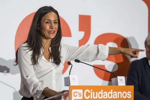 La candidata de C's al Ayuntamiento de Madrid pide el voto de defraudados y promete abrir las puertas del ayuntamiento