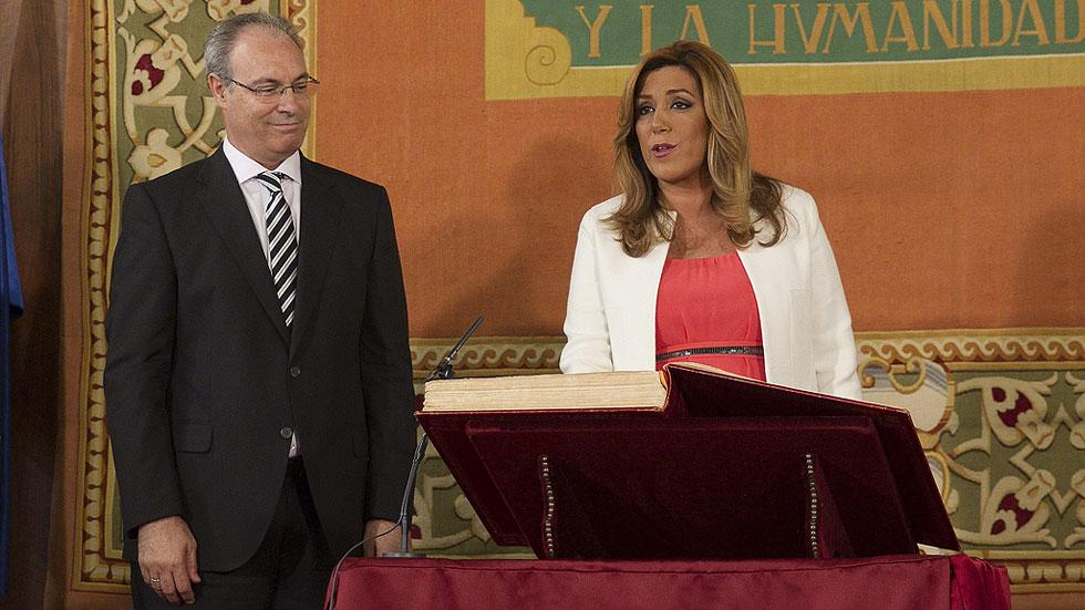 """Susana Díaz jura como presidenta de Andalucía: """"La corrupción tiene que ser extirpada"""""""
